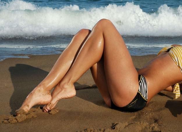Wypróbuj rady, dzięki którym nogi będą prezentować się wyjątkowo seksownie /123RF/PICSEL