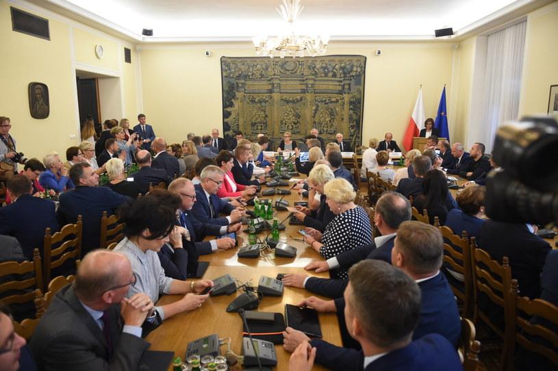 Wysłuchanie publiczne w Sejmie /Radek Pietruszka /PAP