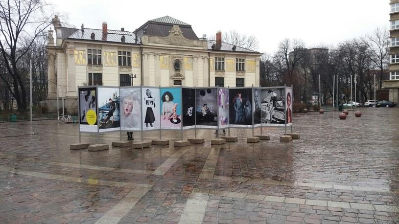 Wystawa na Placu Szczepańskim w Krakowie /materiały prasowe