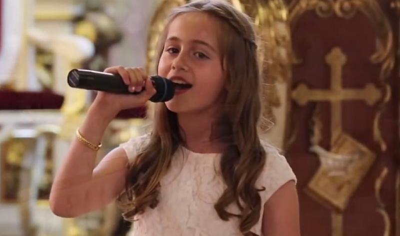 Występ 10-latki odebrał wszystkim mowę! /Mateusz MM /YouTube