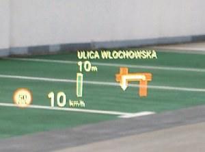 Wyświetlacz HUD pokazuje nie tylko prędkość, ale też np. wskazówki z nawigacji. /Motor