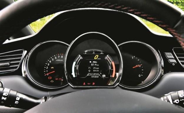 Wyświetlacz LCD pokazuje ciśnienie ładowania turbiny oraz chwilowo dostępny moment obrotowy... /Mat. Prasowe