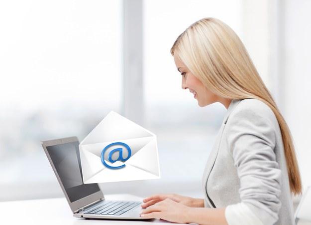 Wysyłasz prywatne mejle w pracy? Pracodawca może cię za to wyrzucić /123RF/PICSEL
