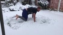 Wytarzał się w śniegu, a potem? Finał zaskakuje