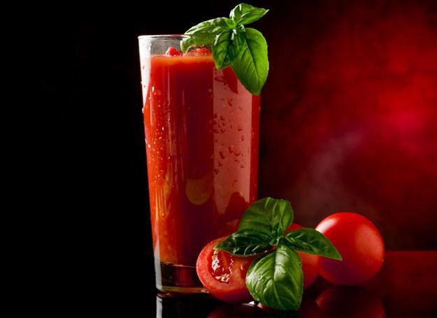 Wytrwany koktajl pomidorowy /123RF/PICSEL