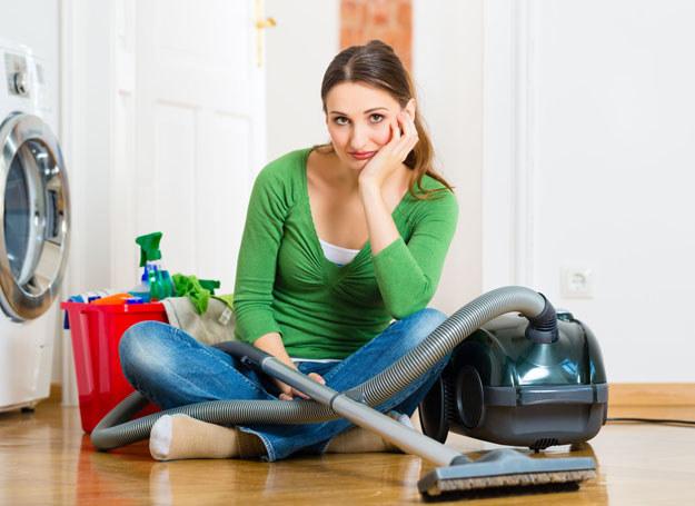 Wyznacz maksymalny limit minut poświęconych sprzątaniu /©123RF/PICSEL