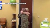 Wzruszający powrót żołnierza do domu