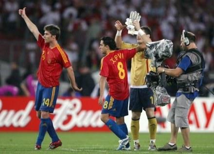 Xabi Alonso i Xavi zapewnili Hiszpanom zwycięstwo nad Danią /AFP