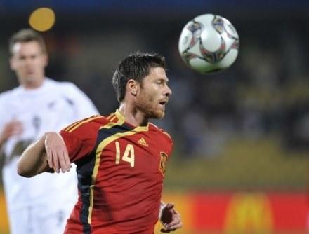 Xabi Alonso może wkrótce zagrać w Realu Madryt /AFP