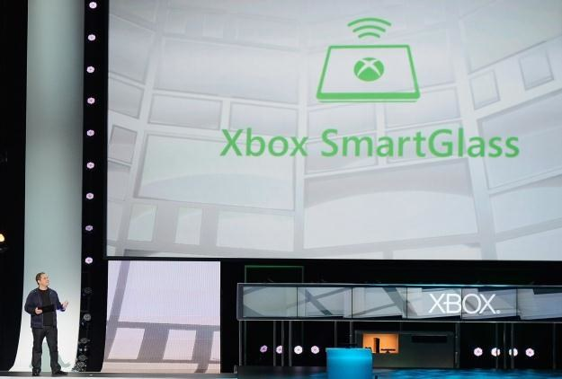 Xbox SmartGlass - rozwiązanie robiące z konsoli hub dla mobilnych urządzeń /AFP