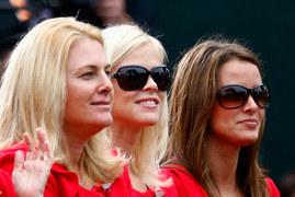 Yvette Prieto (z prawej) w towarzystwie Elin Woods, byłej żony Tigera Woodsa