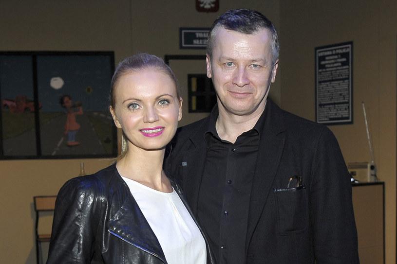 Z aktorką Olgą  Borys (41) ożenił się w 1997 roku. Wciąż są w sobie bardzo zakochani. - Przede  wszystkim trzeba ze  sobą rozmawiać - doradza Wojciech /Gałązka /AKPA
