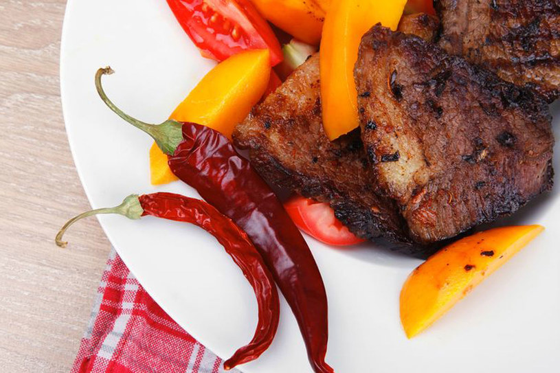 Z całą pewnością można stwierdzić, że dołączyliśmy do światowego szaleństwa kulinarnego /©123RF/PICSEL