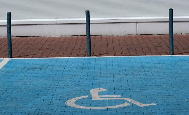 Z centrum Krakowa znikają miejsca parkingowe dla niepełnosprawnych