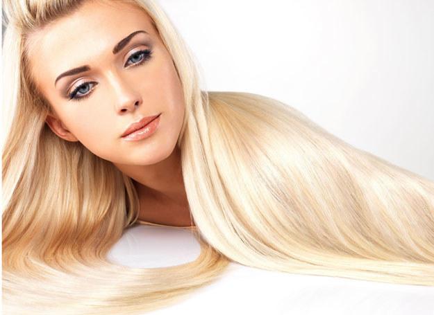 Z każdej długości włosów możesz stworzyć różne fryzury /©123RF/PICSEL