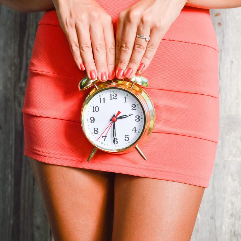 Z każdym rokiem obniża się kobieca płodność /123RF/PICSEL