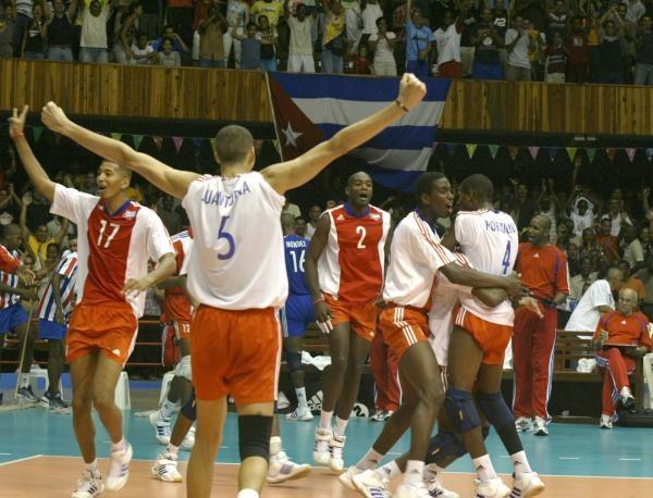 Z Kubańczykami polscy siatkarze grali ostatnio siedem lat temu /www.fivb.org