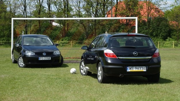 Z lewej strony - Volkswagen Golf V (2003-2008), z prawej - Opel Astra III (2004-2012). /Motor