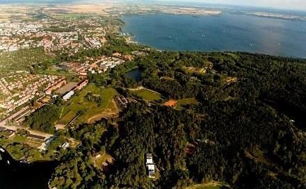 Z lotu ptaka - Giżycko i jezioro Niegocin/fot. fot. Krzysztof Butkiewicz /materiały prasowe