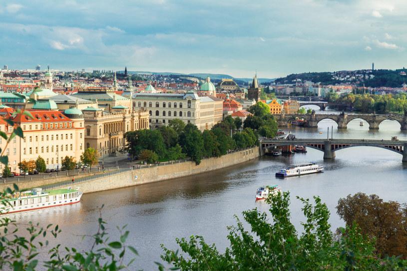 Z ogrodu botanicznego rozciąga się piękny widok na Pragę /123RF/PICSEL