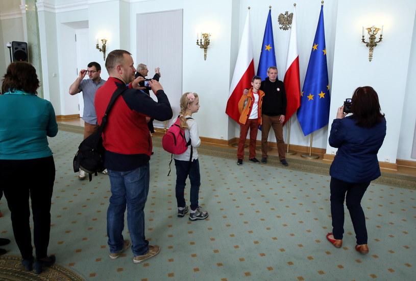 Z okazji Dnia Flagi Pałac Prezydencki został otwarty dla zwiedzających. /Tomasz Gzell /PAP