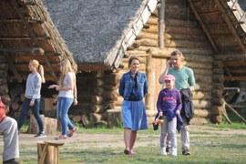 Z okazji pierwszej rocznicy ślubu młodzi Zduńscy zdecydują się postawić na swojskie klimaty.