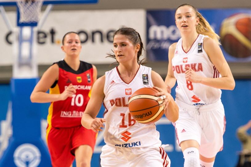 Z piłką Katarzyna Trzeciak /Maciej Kulczyński /PAP