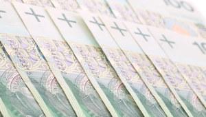 Z Polski wypływa coraz więcej pieniędzy
