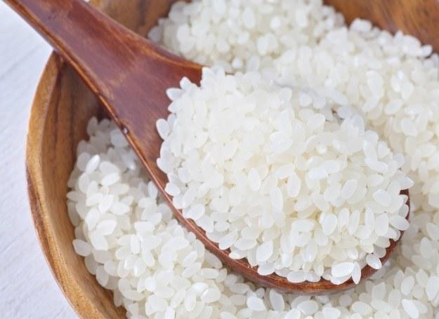 Z ryżu przygotujesz pyszne warzywne placuszki /123RF/PICSEL