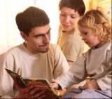 Z tatą lepiej się uczyć niż bawić /INTERIA.PL