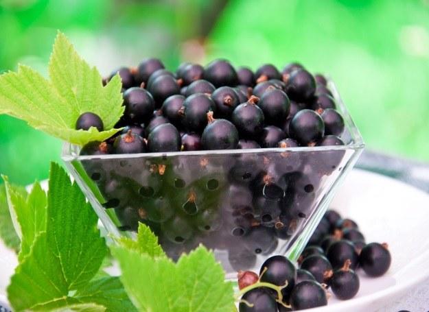 Z tych owoców przyrządzisz smaczne desery /123RF/PICSEL