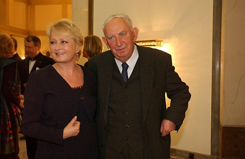 Z ukochanym mężem, Gustawem Holoubkiem, Magdalena Zawadzka przeżyła 35 lat /AKPA
