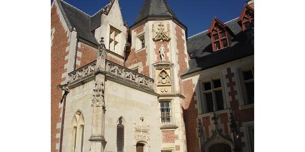 Zamek Leonarda.