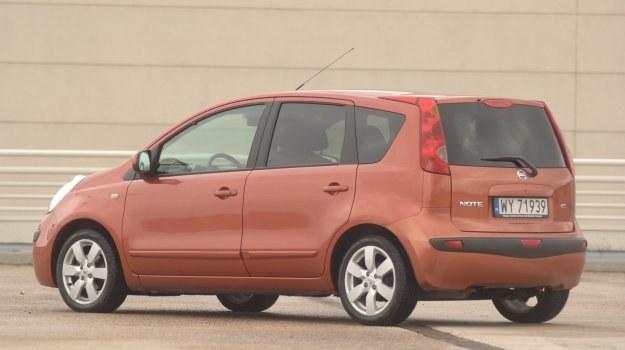 Z zewnątrz nic nie zdradza, że Note powstał na płycie podłogowej Renault Grand Modus. /Motor
