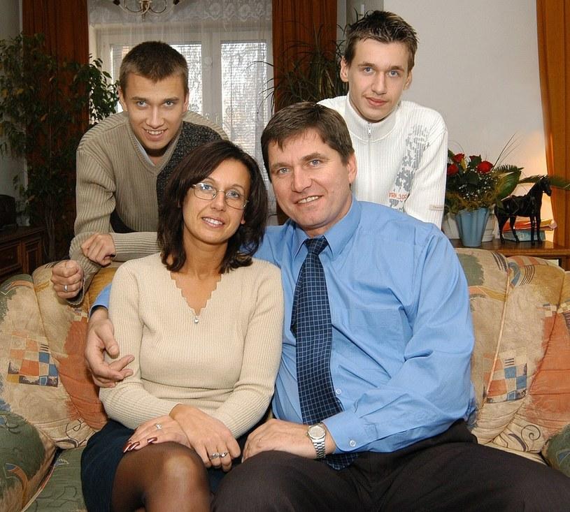 Z żoną i synami: Sebastianem i Damianem /Marek Szymański /Reporter