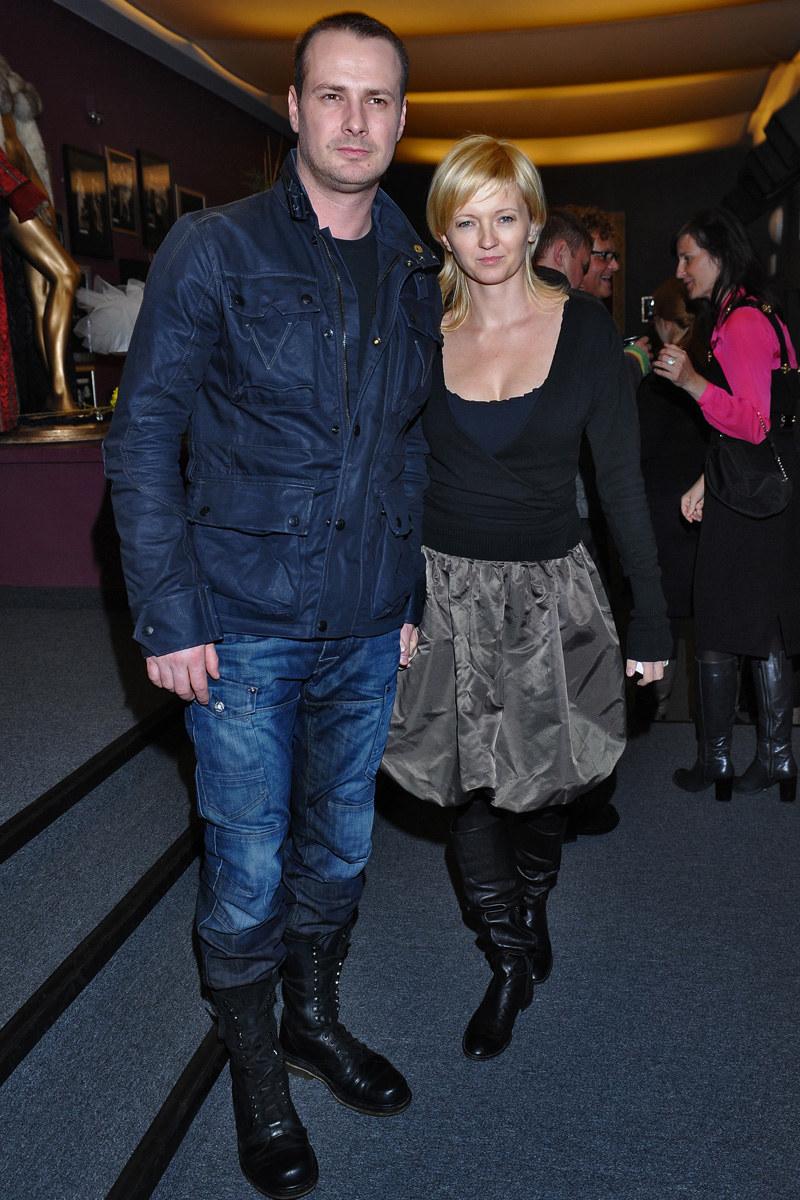 Z żoną Joanną znają się od dziecka /Andras Szilagyi /MWMedia