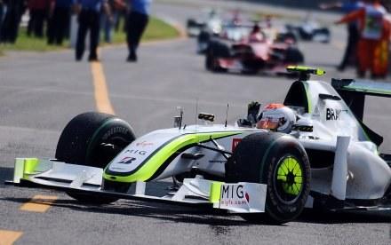 Za kierownicą Rubens Barrichello /AFP
