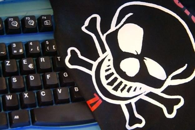Za nielegalne rozpowszechnianie programów czy gier komputerowych grozi do 5 lat więzienia /AFP
