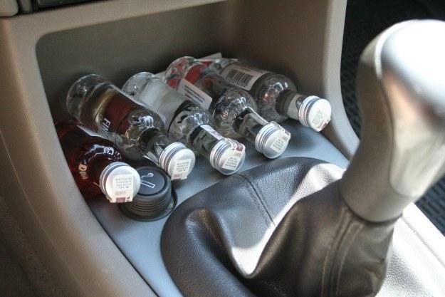 Za wypadek pod wpływem alkoholu prawo jazdy będzie odbierane na zawsze /INTERIA.PL