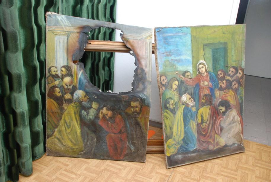 Zabezpieczone przez policję obrazy z kaplic w Kalwarii Pacławskiej /Policja KMP Przemyśl /PAP