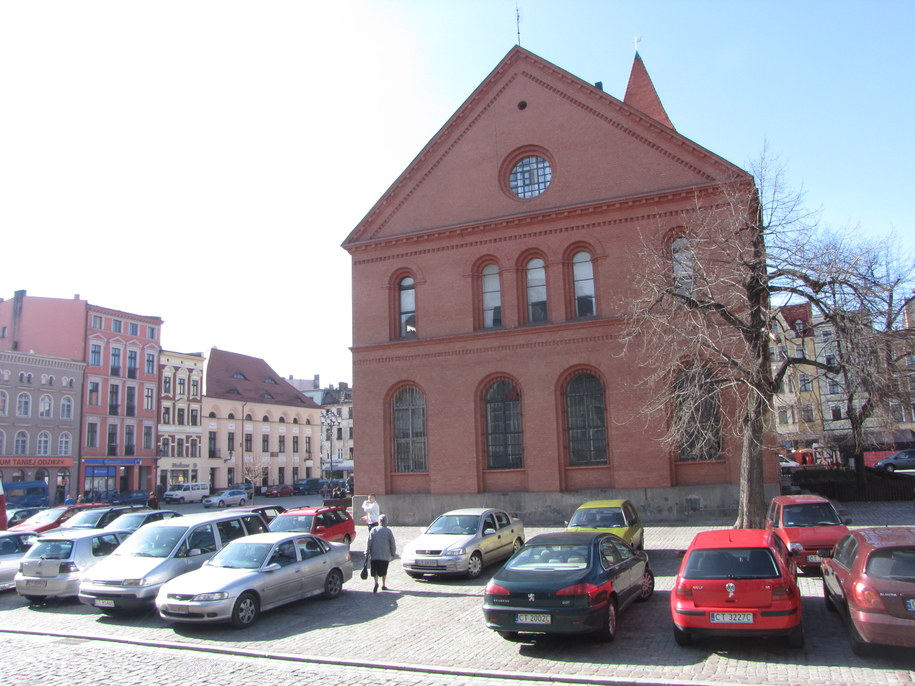 Zabytkowy budynek zboru ewangelickiego od dziś przechodzi na służbę kina  /Fot. Tomasz Fenske /RMF FM