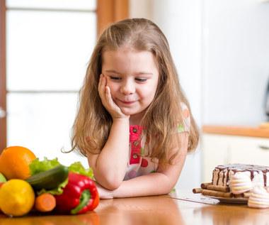 Zachęć pociechę do zjedzenia warzyw