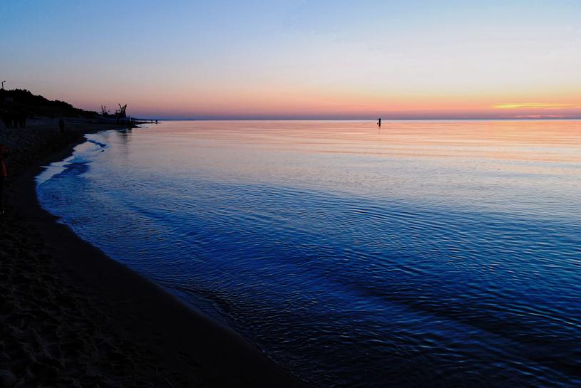 Zachód słońca na plaży w Dąbkach /123RF/PICSEL