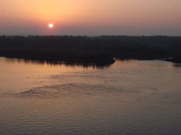 Zachód słońca nad Dnieprem /123/RF PICSEL