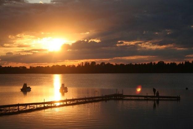 Zachód słońca nad Jeziorem Białym /INTERIA.PL