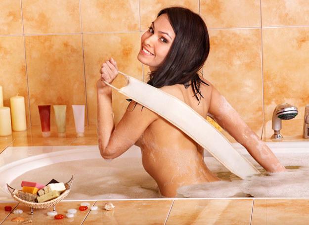 Zadbaj w sposób szczególny o swoją higienę intymną /©123RF/PICSEL