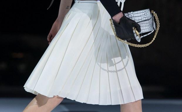 Zadbajcie o nogi! To zalecenie paryskich dyktatorów mody!