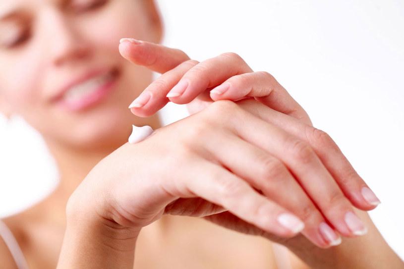 Zadbane dłonie są oznaką młodości i witalności /123RF/PICSEL