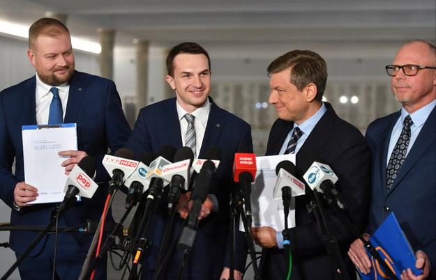 Zadowoleni z siebie politycy PO i Nowoczesnej /Bartłomiej  Zborowski /PAP