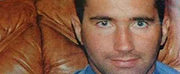 Krzysztof Olewnik został porwany w październiku 2001 r. 2 lata później rodzina wpłaciła okup. Mimo to Olewnik został zamordowany. Ciało ofiary znaleziono w 2006 r., w lesie w miejscowości Różan (Mazowieckie).